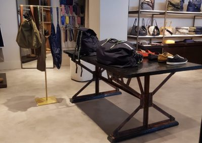 Proyectos Comerciales en Microcemento - Tienda de ropa