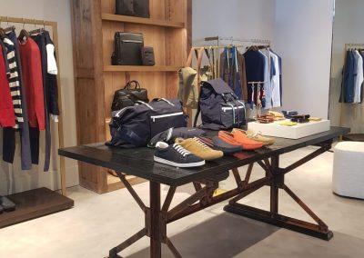 Proyectos Comerciales en Microcemento - Interior de tienda Adolfo Domínguez